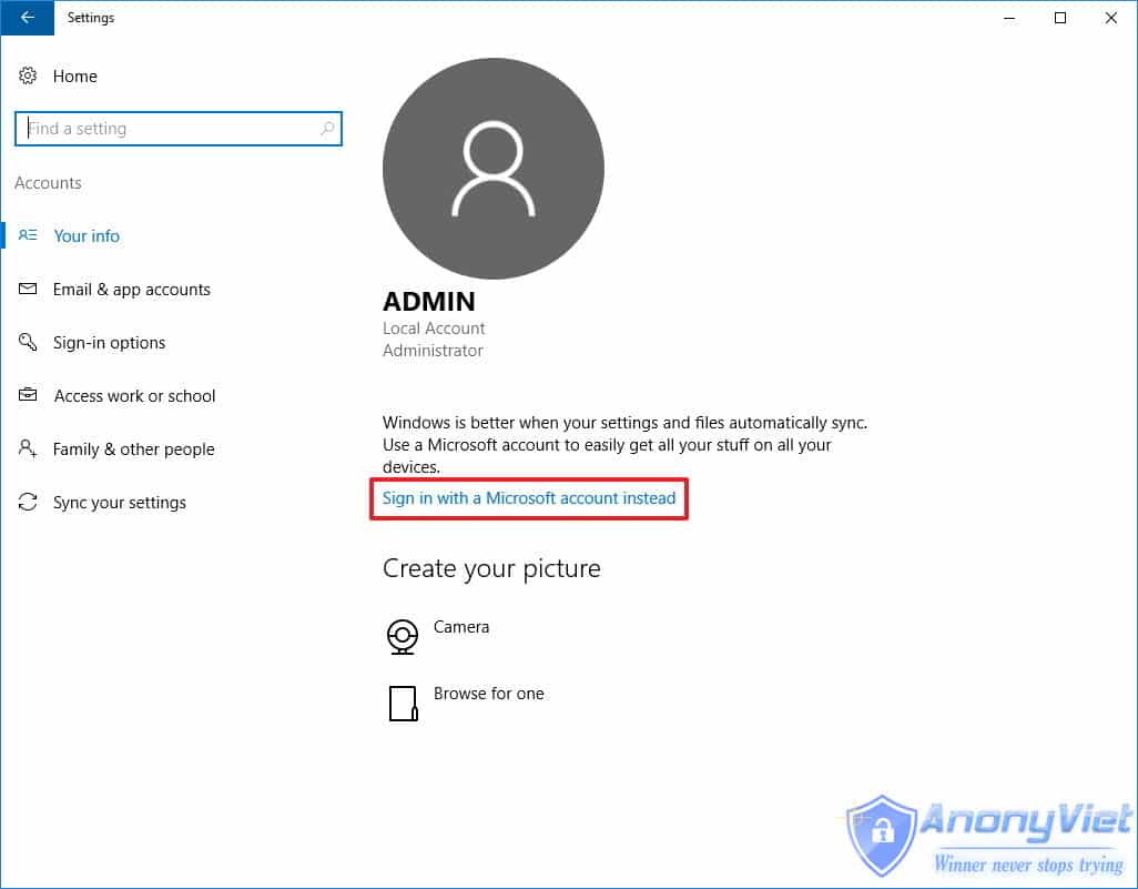 Click chọn link Sign in with your Microsoft account instead