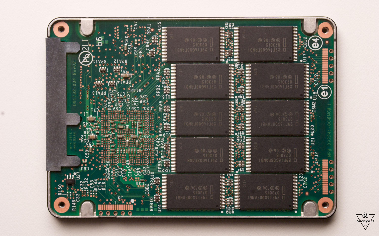 Cấu tạo ổ cứng SSD