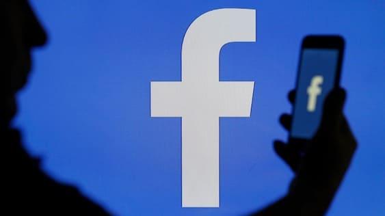 công an yêu cầu facebook cung cấp dữ liệu