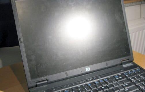 Cách vệ sinh màn hình máy tính dễ và an toàn nhất 4