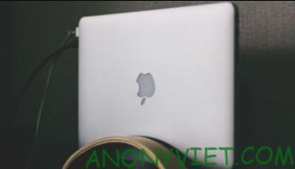 pin macbook cao hon windows